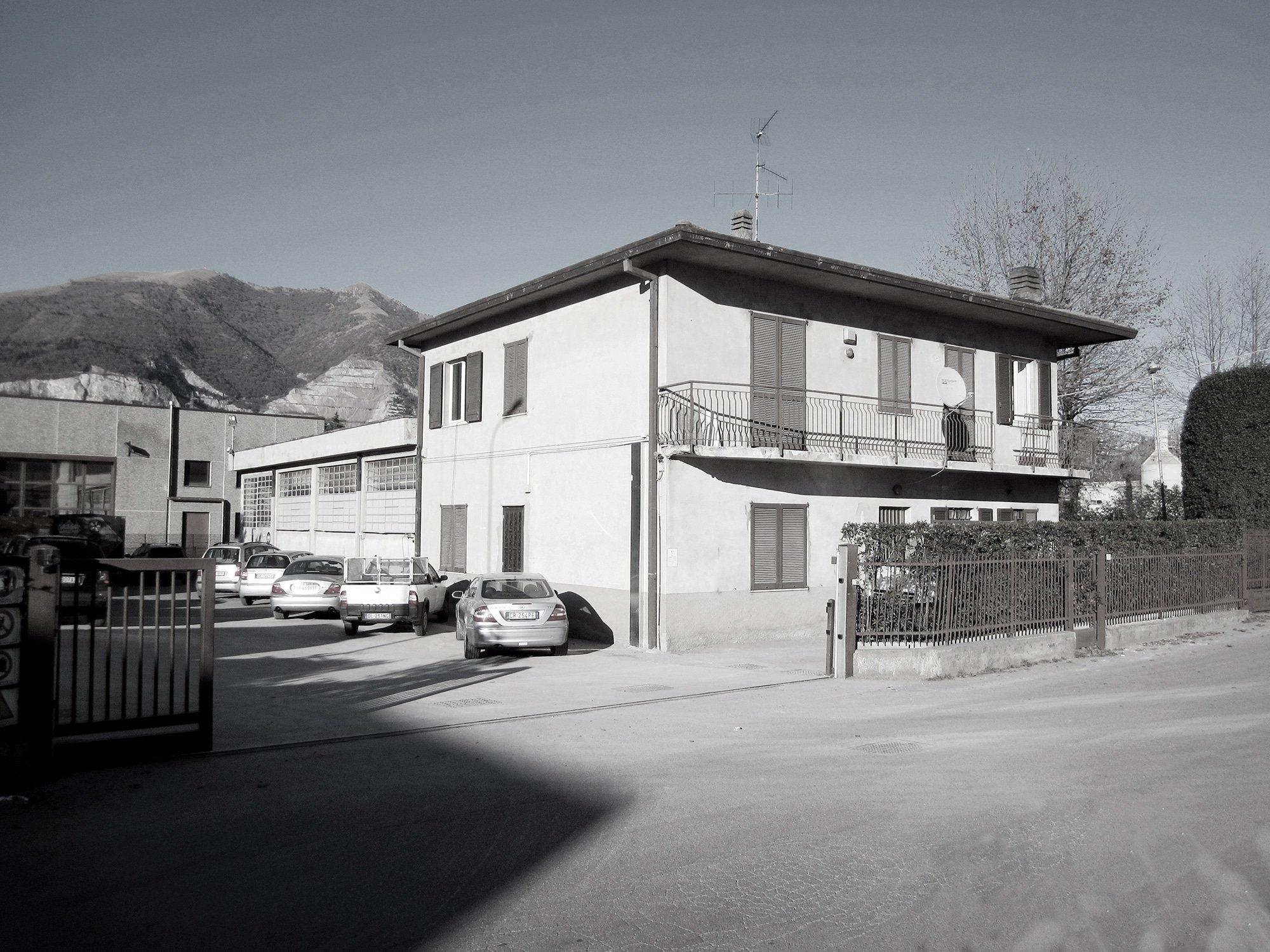 MAURISTUDIO-umberto-mauri-mauri-studio-bosisio-parini-New-Office-Building-Bosisio-Parini-Lecco-work-in-progress-Ventilated-Facade_final_05_2000