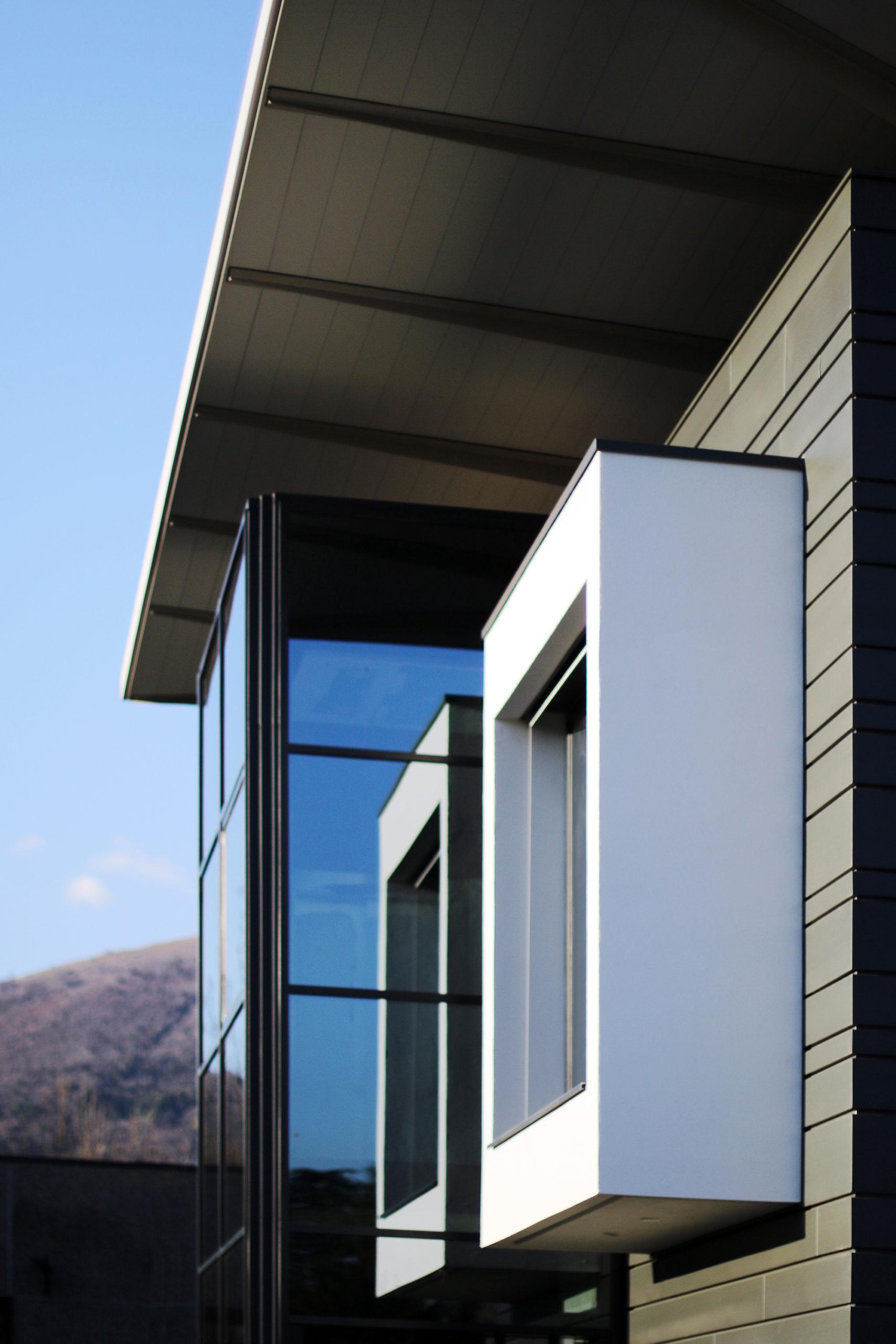 MAURISTUDIO-umberto-mauri-mauri-studio-bosisio-parini-New-Office-Building-Bosisio-Parini-Lecco-work-in-progress-Ventilated-Facade_final_08_2000