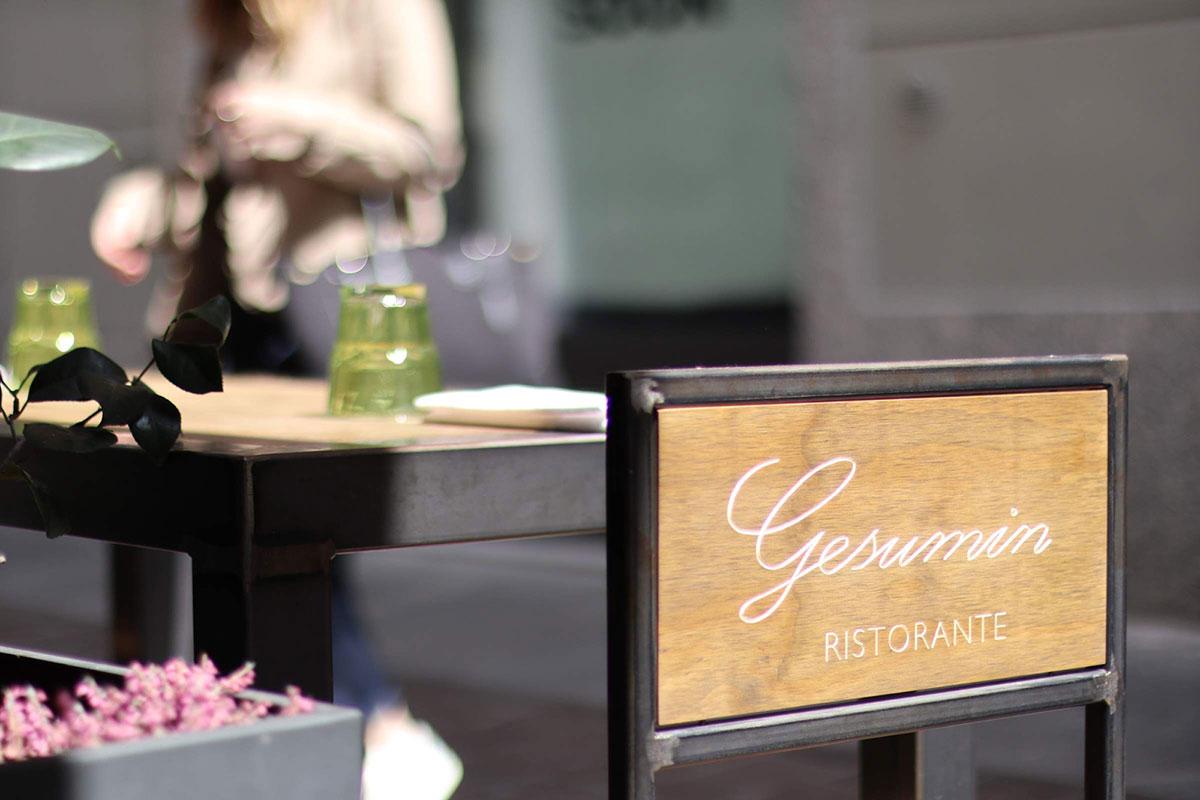 umberto_mauri_architetto_studio_custom_interior_ristorante_gesumin_como_design_detail_lamp_outdoor_image_via_cinque_giornate_2000-c