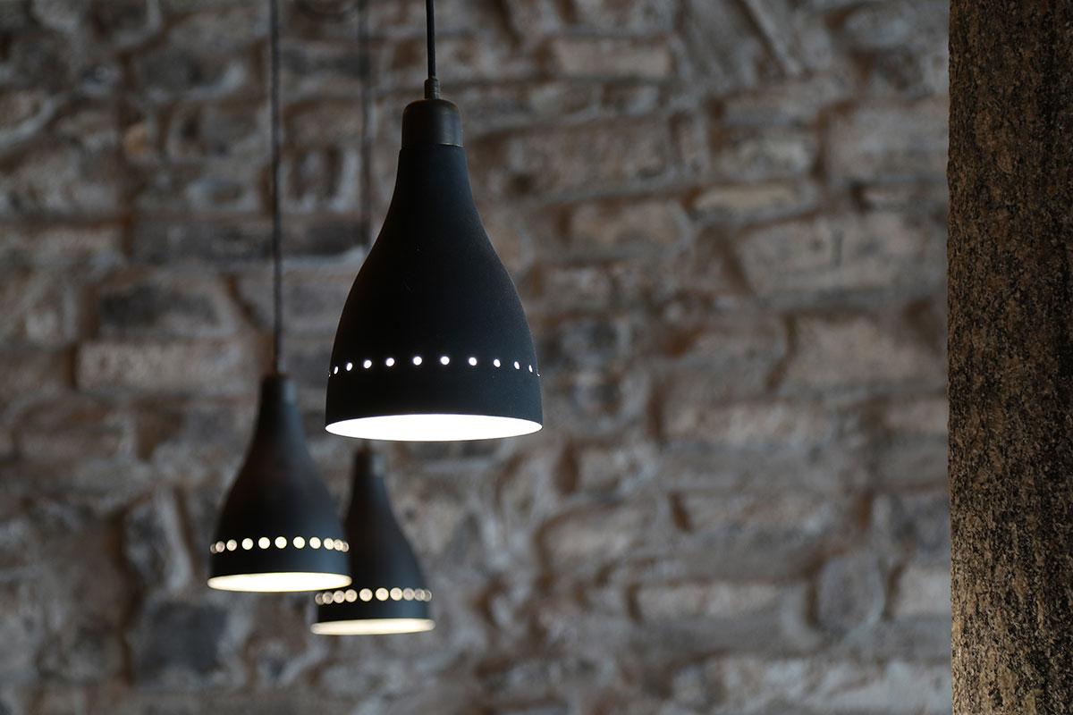 umberto_mauri_architetto_studio_custom_interior_ristorante_gesumin_como_design_detail_lamp_outdoor_image_via_cinque_giornate_2000-g