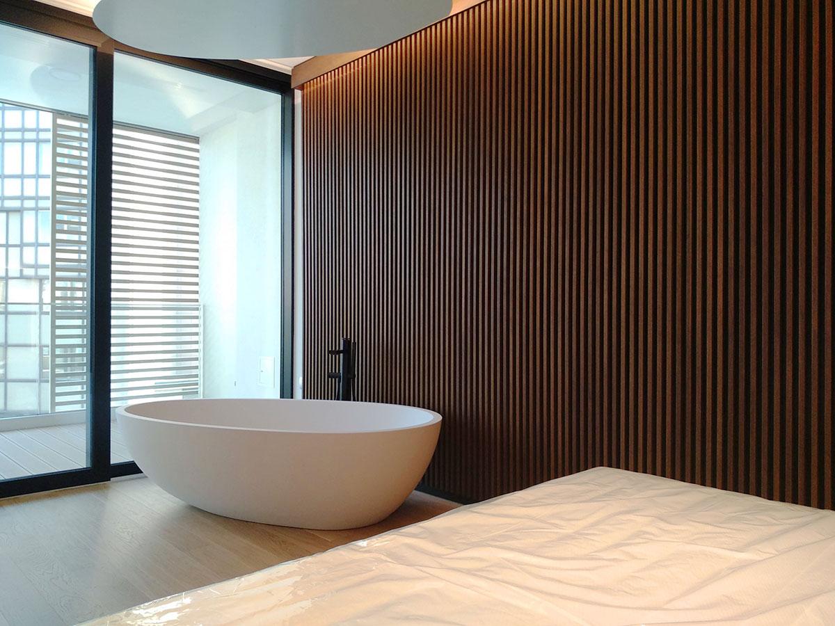 umberto_mauri_architetto_studio_custom_interior_vasca_camera_master_bedroom_design_detail_wall_wood_flos_light_stars_milano_relax_wow_2000-a